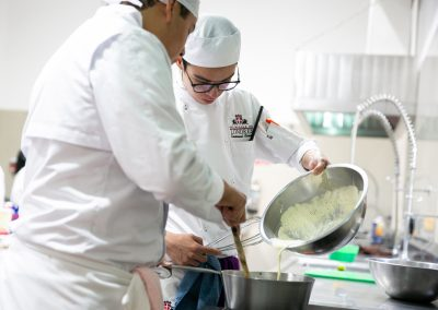 Preparación de platillo fuerte Licenciatura en Gastronomía
