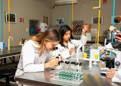 En laboratorio Licenciatura en Nutrición